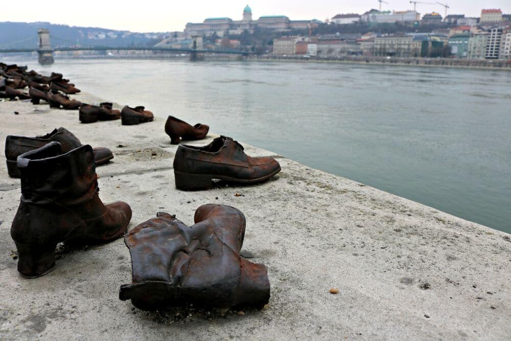 Los zapatos de Budapest