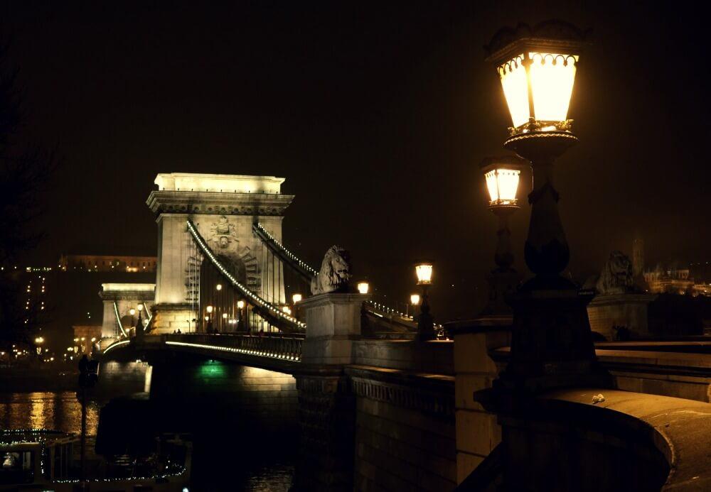 Puente de las Cadenas - Qué ver en Budapest