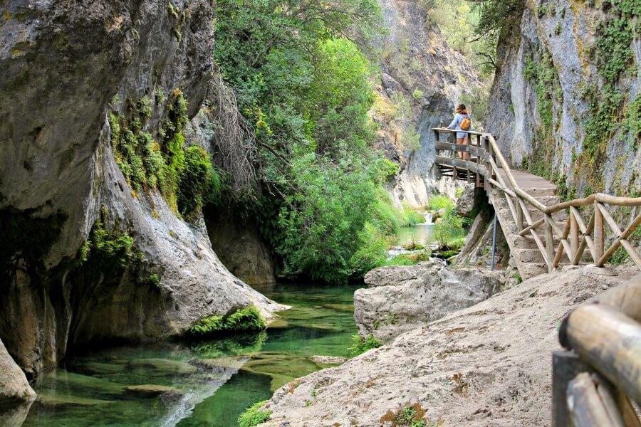 Sendero junto al río Borosa