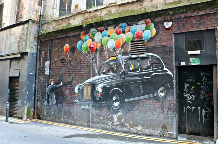 Graffiti coche Up en Glasgow