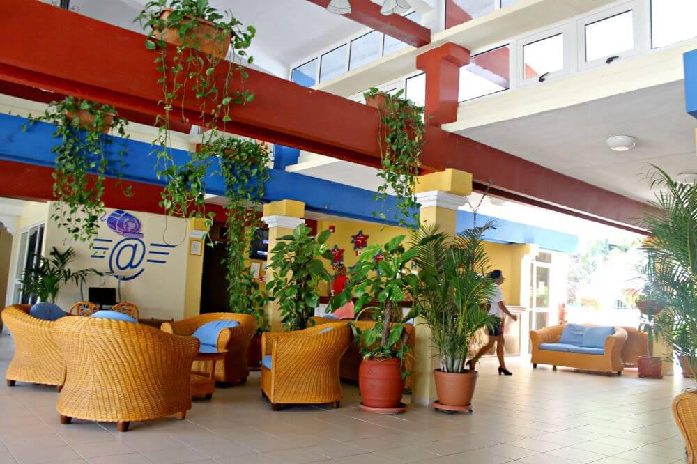 Recepción del Hotel Playa Ancón de Trinidad