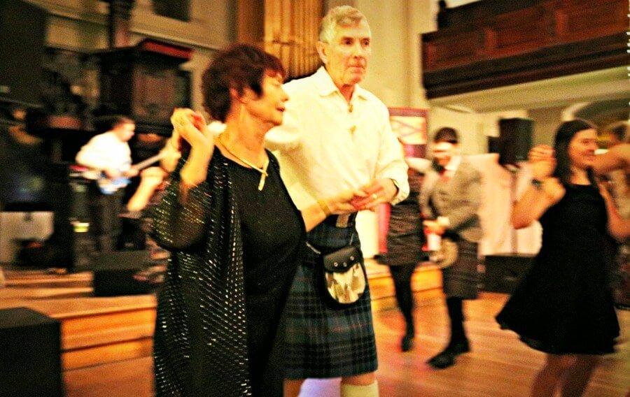 Visitar Glasgow bailar música celta, céilidh