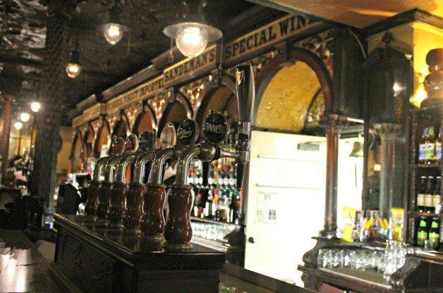 Barra de cerveza Guinness