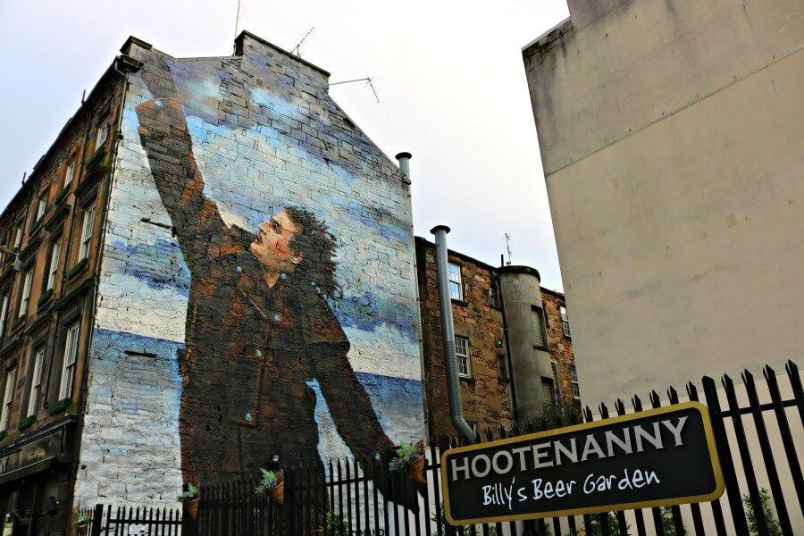 Dr. Connoly I presume - Ruta por los murales de Glasgow