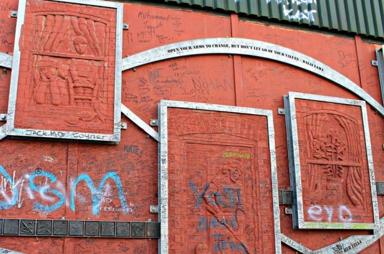 Mensajes positivos en las pinturas de Belfast