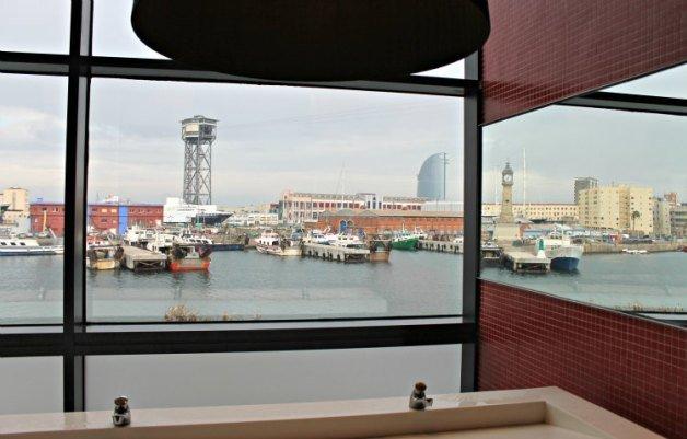 Baños del centro comercial del puerto de Barcelona