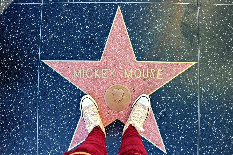 Estrella de Mickey Mouse en el Paseo de la Fama - Qué ver en Los Ángeles