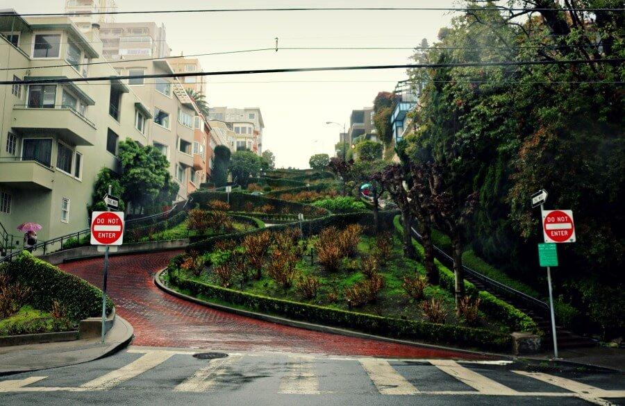 Lombard Street la más sinuosa - guía de monumentos