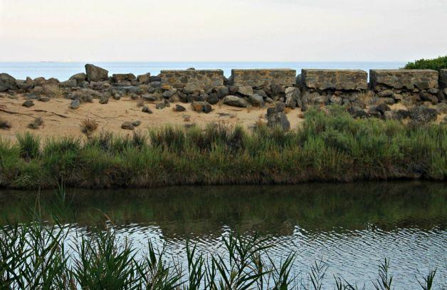 Río y mar en Orosei