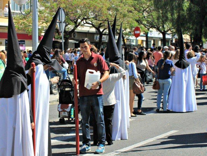 El aguador, personaje curioso de la Semana Santa de Sevilla
