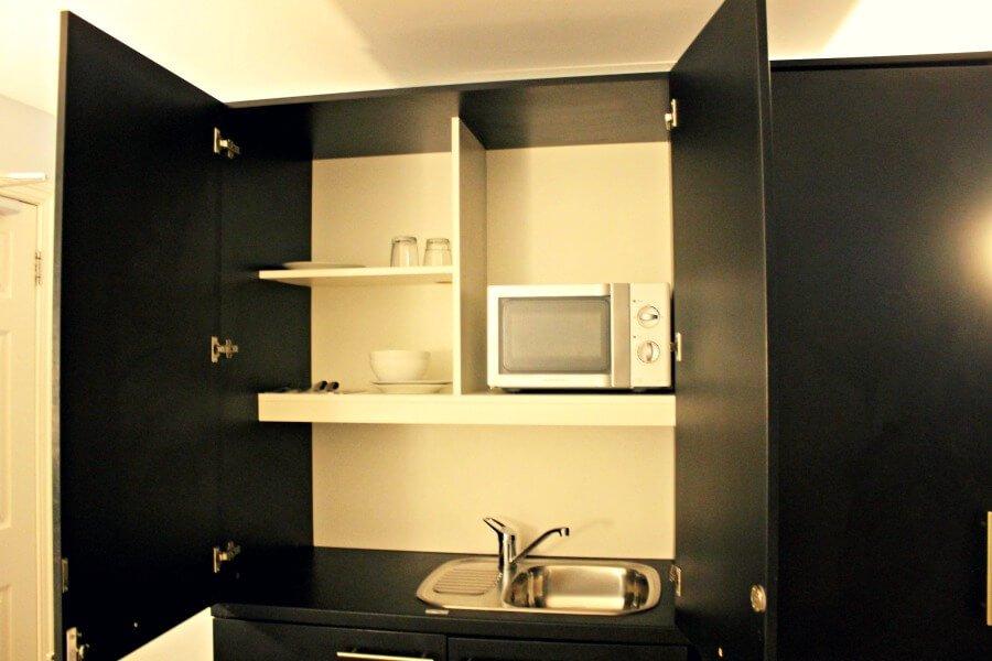 La pequeña cocina de mi habitación en Brighton