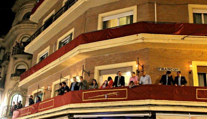 Los balcones - Semana Santa en Sevilla