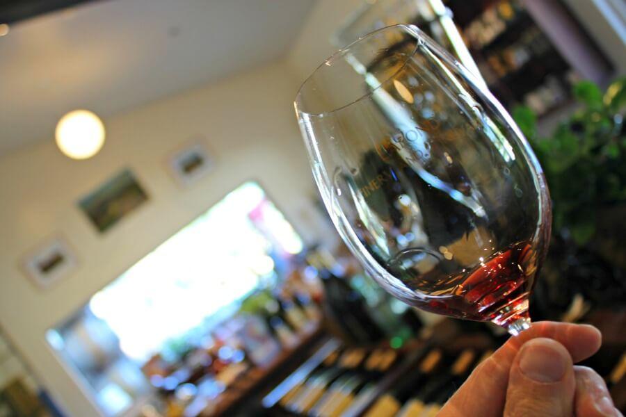 Probando el vino de California