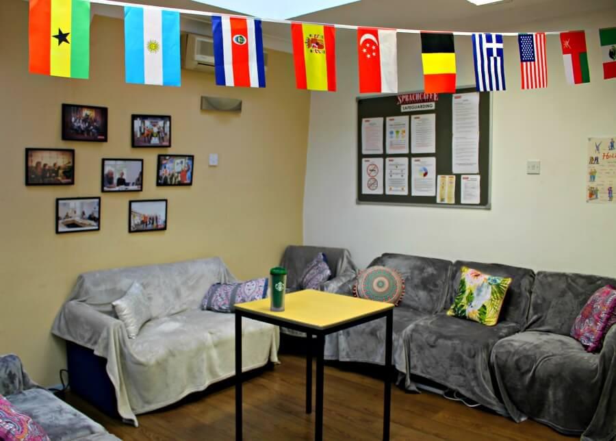 Sala común de Sprachcaffe en Brighon - Estudiar inglés en Inglaterra