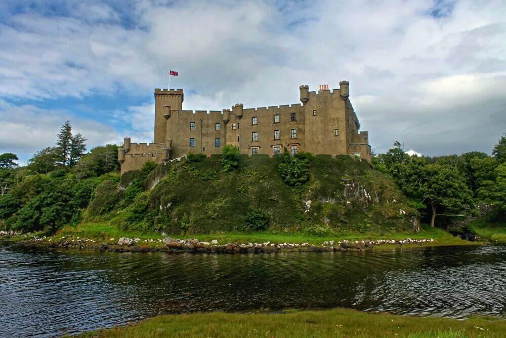 Castillo de Dunvegan en la Isla de Skye - Escocia
