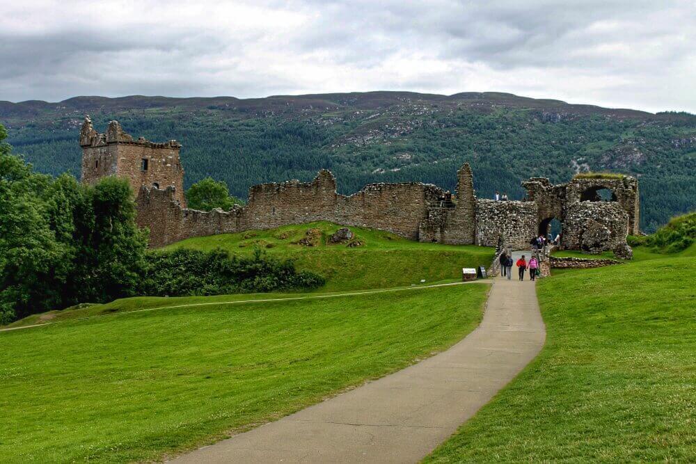 Castillo de Urquhart en el Lago Ness - Escocia