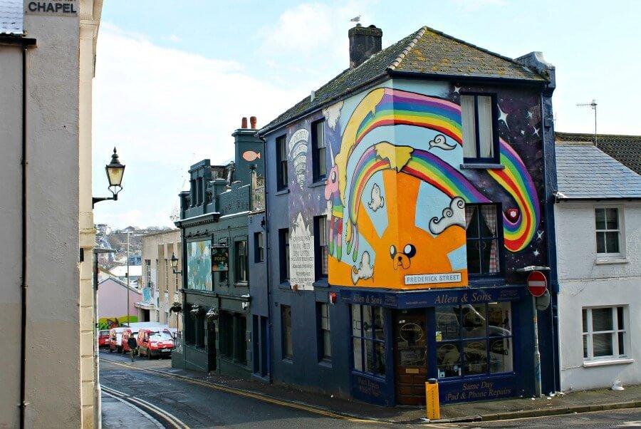 Graffiti Hora de Aventuras en Brighton