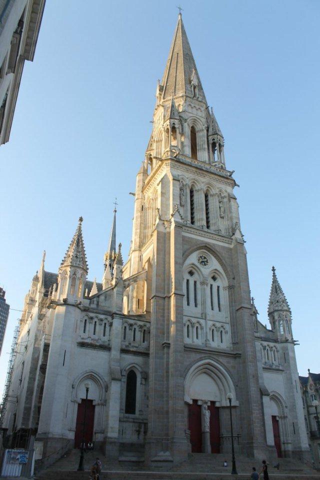 Iglesia de San Nicolás en la ciudad de Verne