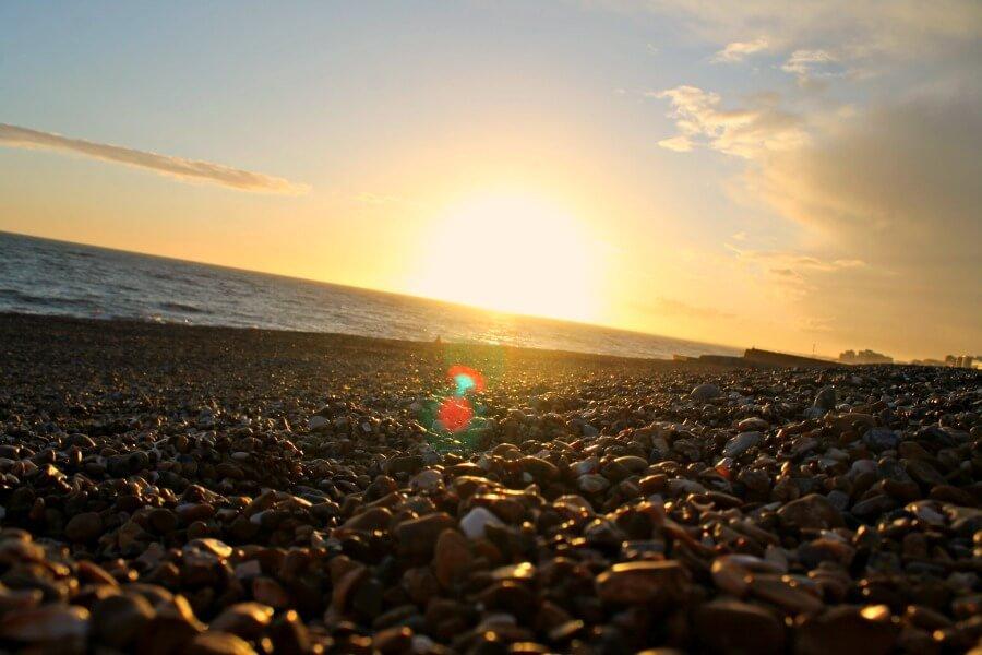 Playa de Brighton al atardecer