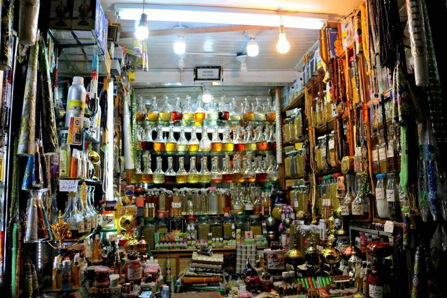 Puesto de fragancias en la Medina - Qué ver en Fez