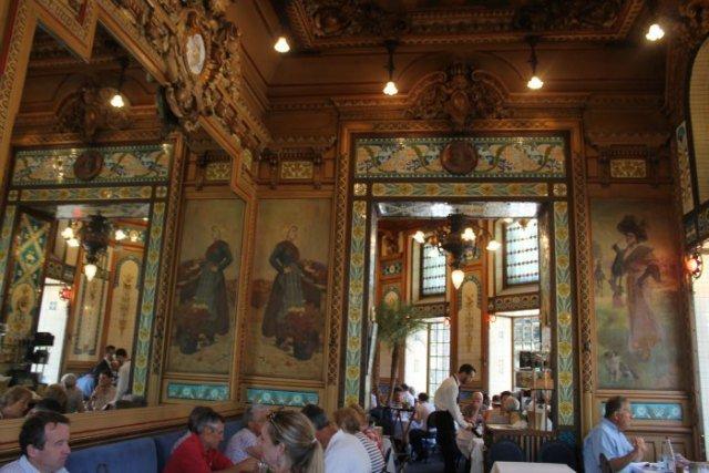 Salón del restaurante La Cigale - Dónde comer en Nantes