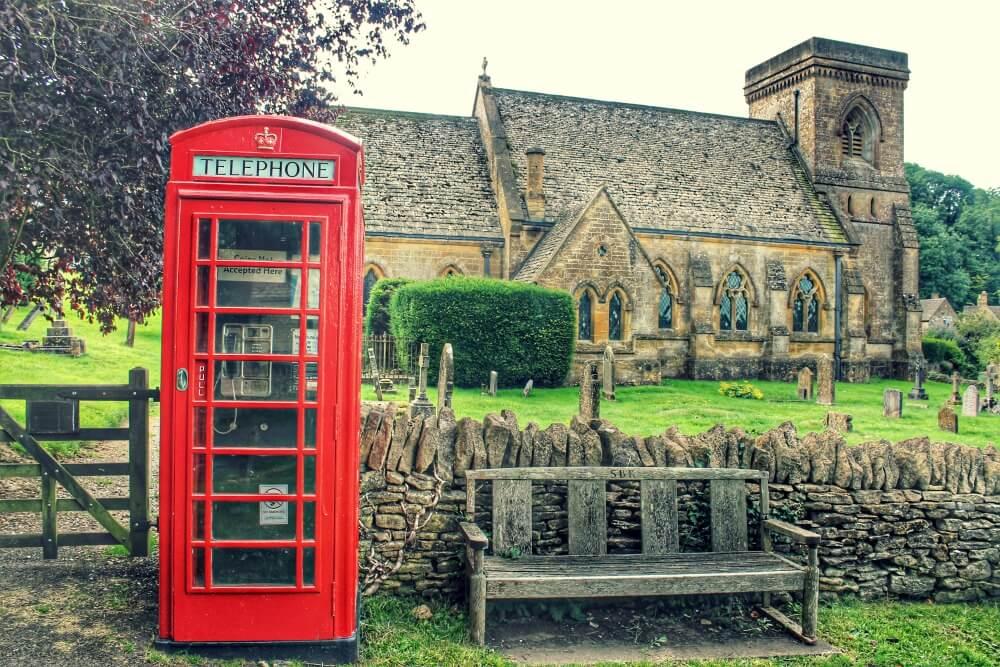 Snowhill y su iglesia, Inglaterra