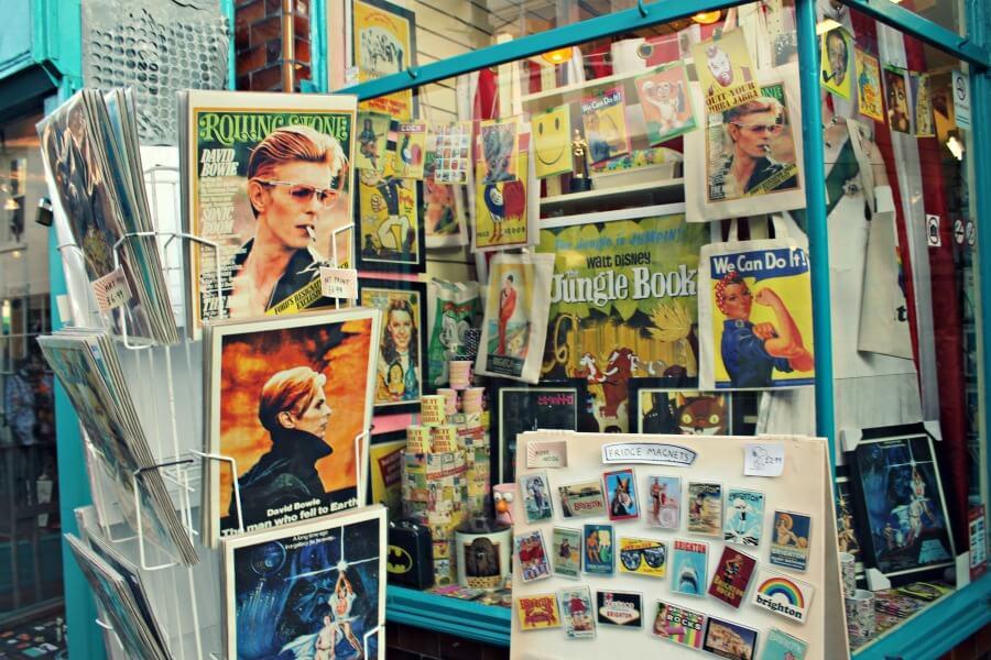 Tienda de carteles retro en Brighton