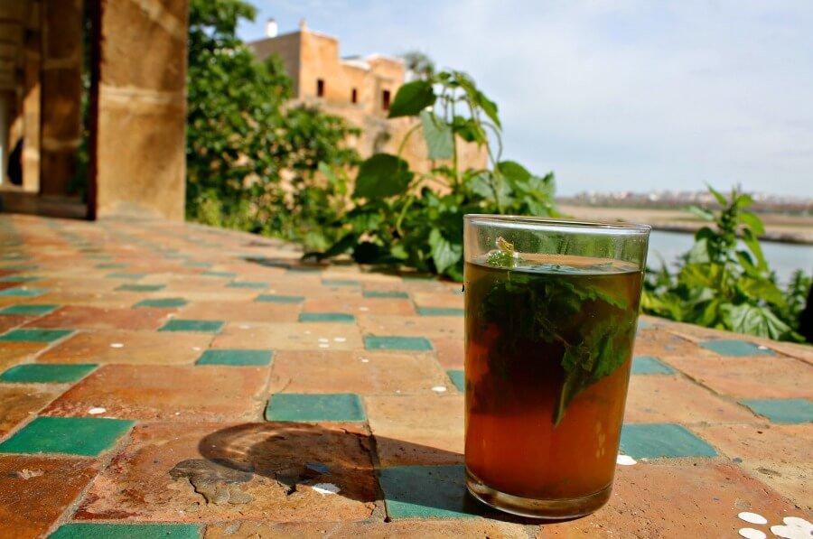 Un té en el Café Moure