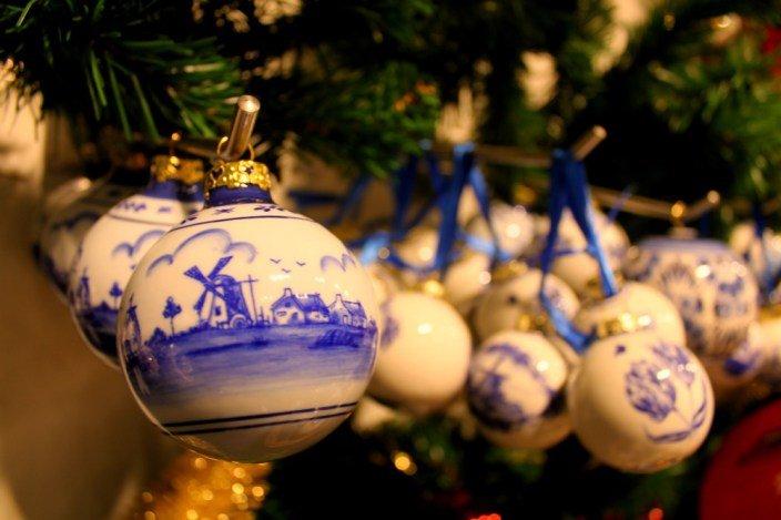 Bolas navideñas con molinos