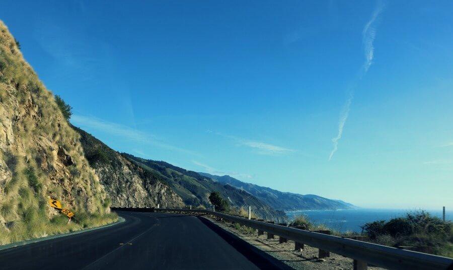 Conducir por la ruta costera en California