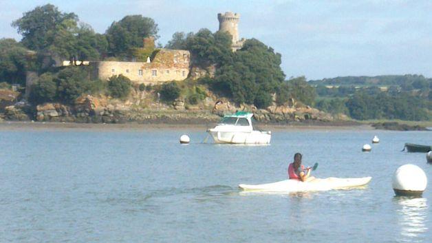 En kayak por el río Rance - Ruta de pueblos bonitos en la Bretaña francesa