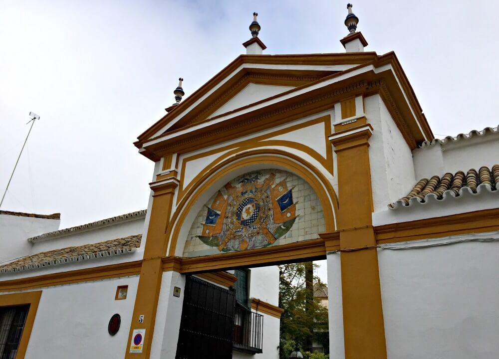 Entrada al Palacio de Dueñas de Sevilla