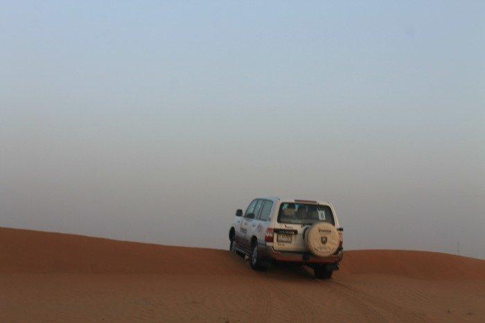 Todoterreno en el desierto de Dubai