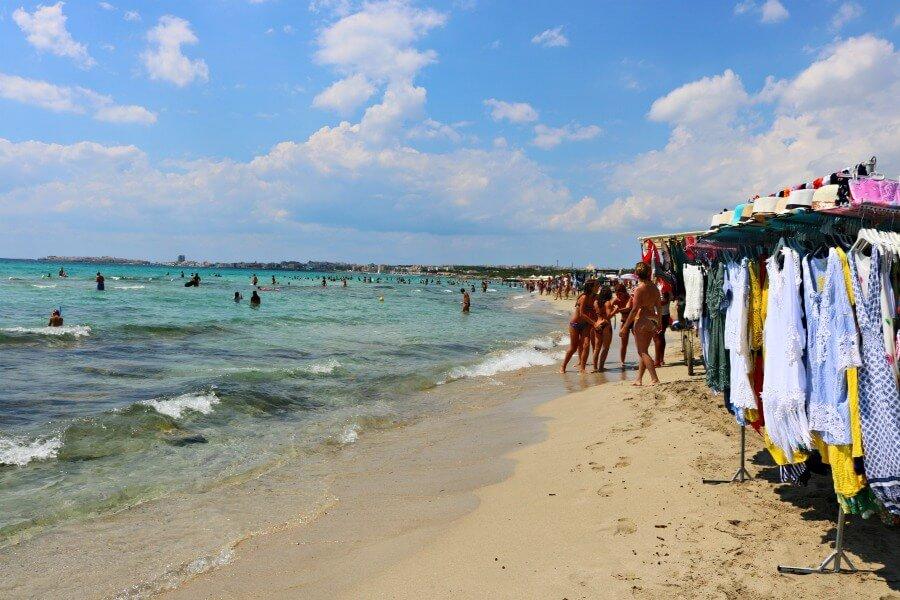 Baia Verde, una de las playas populares del Jónico