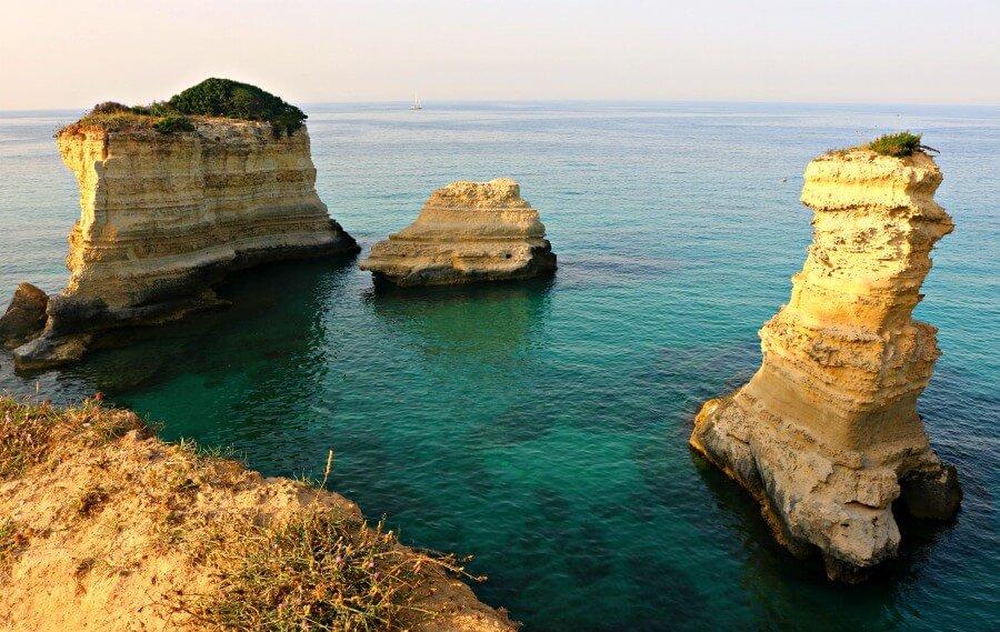 Faraglioni di St Andrea en la Puglia