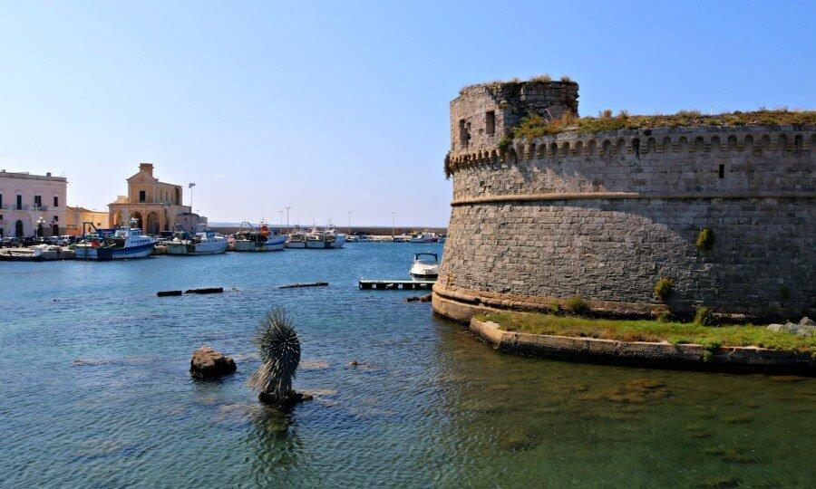 Gallipoli, una ciudad del sur de Italia bañada por el Jónico
