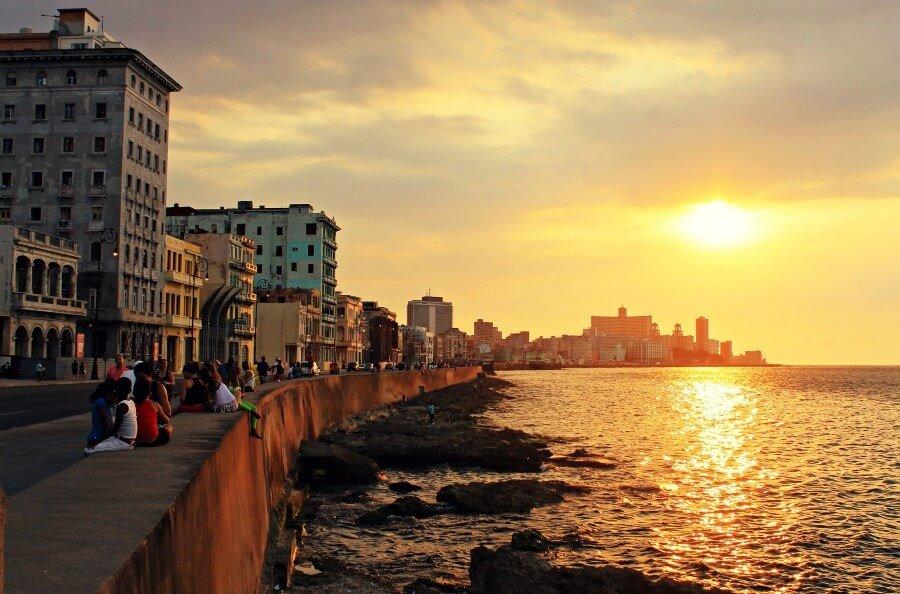 Hasta que se seque el Malecón