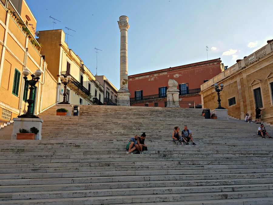 La columna romana de Brindisi - Viajar al sur de Italia en coche