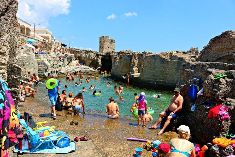 Piscina natural de Marina Serra, un viaje a Puglia - Italia