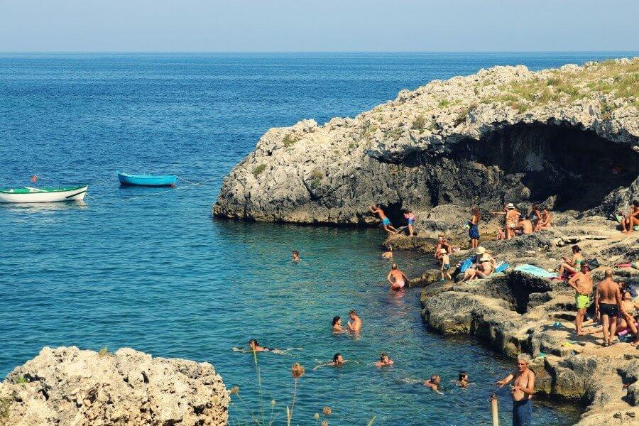 Porto Badisco, una de las playas de roca del sur de Italia