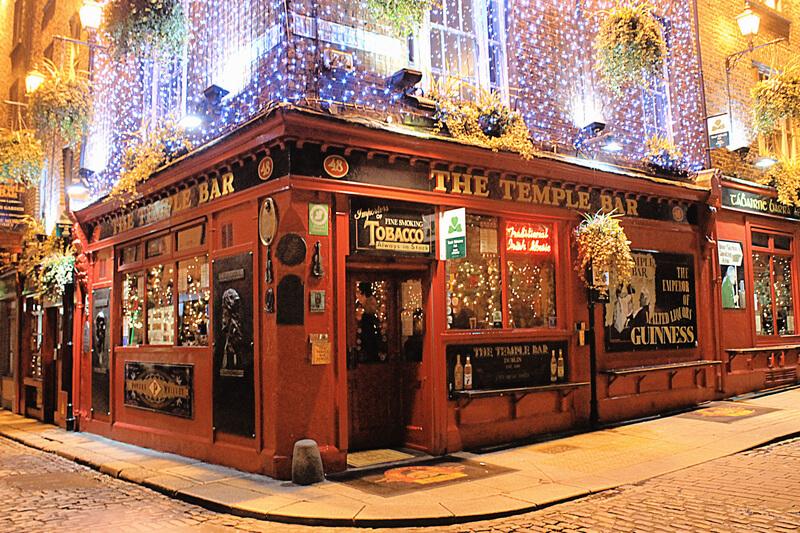 Temple Bar: beber Guinness en Dublín