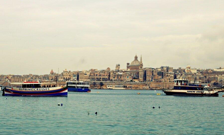 Vistas de La Valleta desde Sliema en Malta