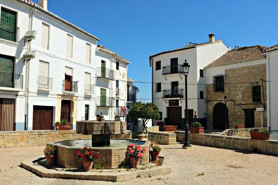 Plaza de Alhama de Granada , pueblo con encanto