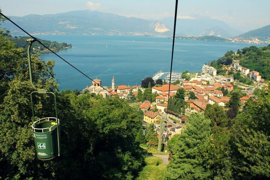Vistas desde el funicular de Laveno-Mobello al Lago Maggiore