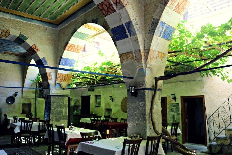 Comer en Mustafapasa en Old Greek House, uno de los mejores restaurantes de Capadocia