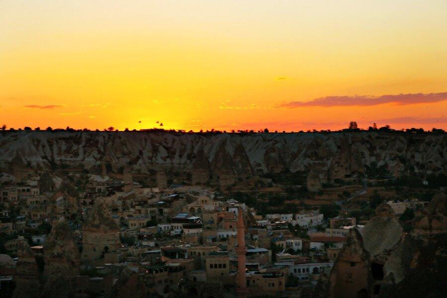 El mejor atardecer en la Capadocia desde el Sunset Point de Göreme