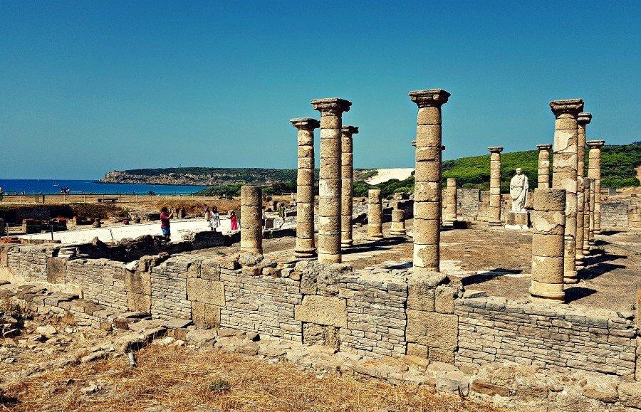Las ruinas de Baelo Claudia en Bolonia
