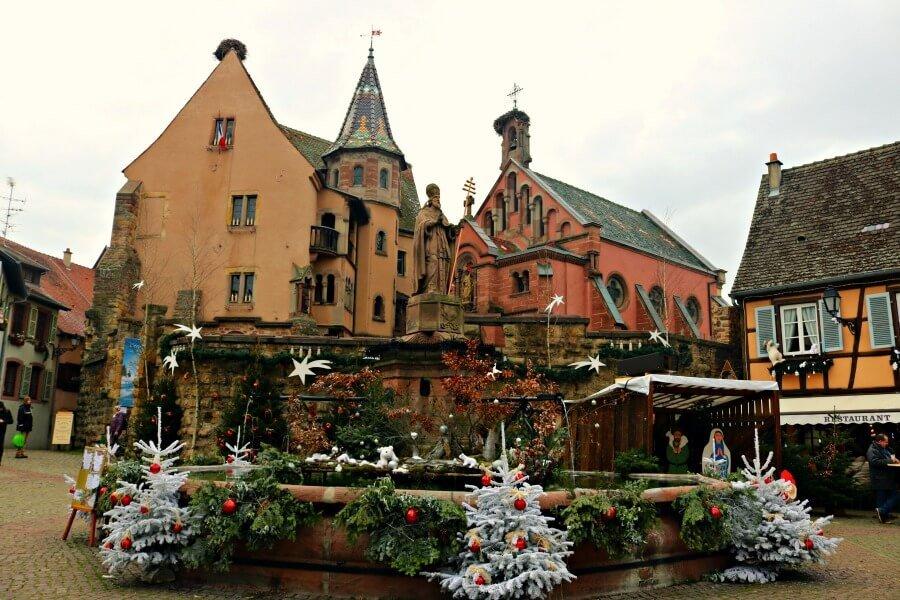 Plaza de Eguisheim - Viajar a la Alsacia en navidad