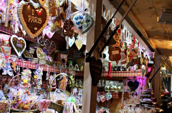 Puesto de galletas I love París en navidad