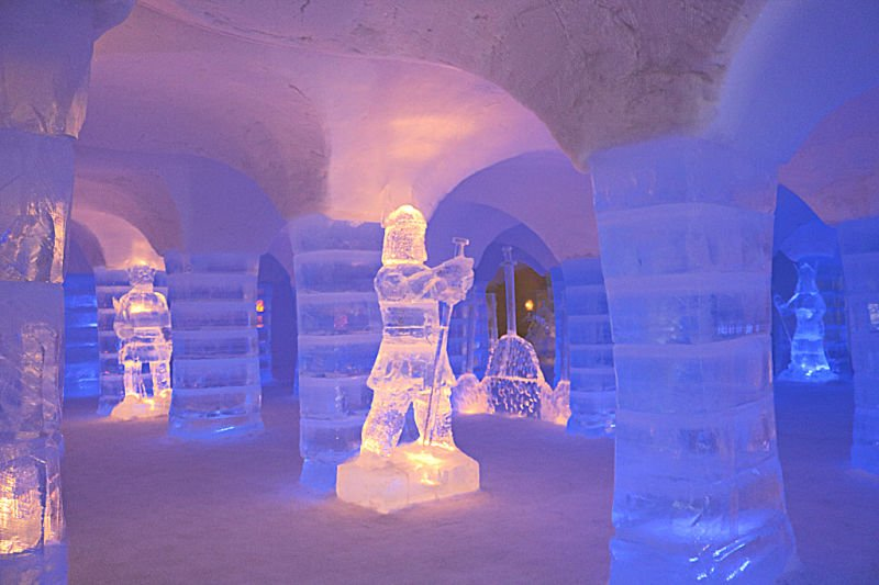 Esculturas de hielo en el hotel Sorrisniva